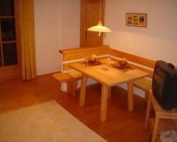 Tisch im Zimmer